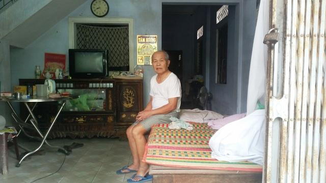 Ông Châu Văn Nò, ông nội em Dũng cầu xin mọi người giúp đỡ và cứu cháu mình