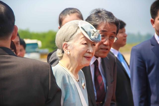 Hoàng hậu Michiko năm nay 83 tuổi. Cả hai vợ chồng Nhật hoàng đều rất khỏe mạnh