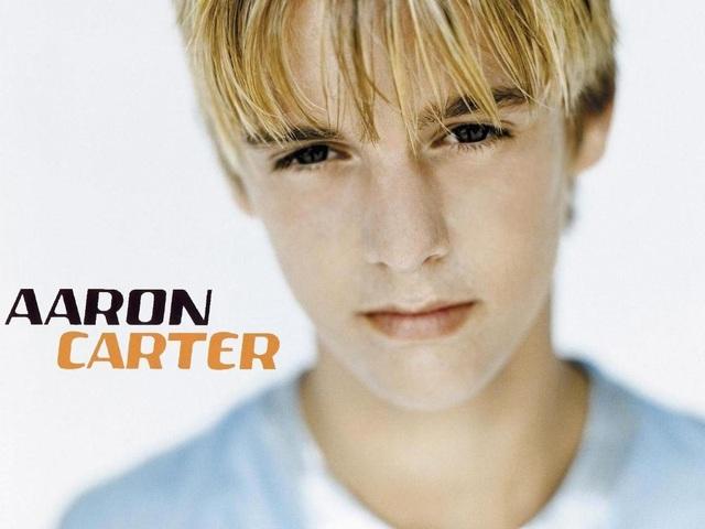 Hình ảnh ngọt ngào, đáng yêu của Aaron Carter giờ đã không còn. Sau khi Aaron Carter vướng rắc rối, Nick Carter đã lên tiếng trên trang cá nhân và khẳng định sẽ luôn ở bên hỗ trợ em trai mình.