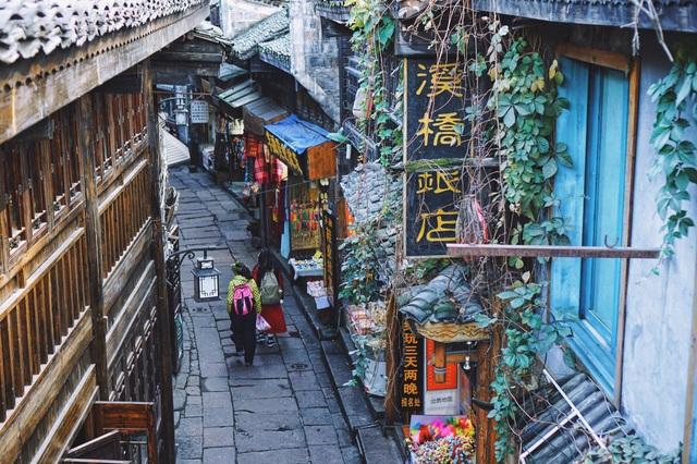Vẻ đẹp tiên cảnh của Phượng Hoàng cổ trấn giữa Trung Hoa phồn thịnh - 8