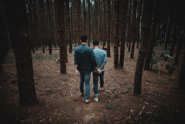 Đà Lạt đẹp mê hồn trong video tình yêu của NTK đồng tính - 19