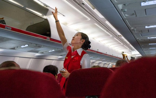 Bên trong khoang hành khách của một chuyến bay quốc tế