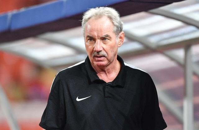 Tờ Fox Sport cho rằng HLV Alfred Riedl là sự lựa chọn hợp lý của Việt Nam