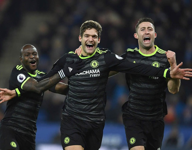 Marcos Alonso lập cú đúp giúp Chelsea hạ gục Leicester City