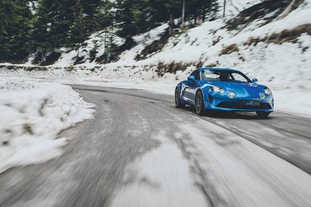 Lộ diện đối thủ tương lai của Porsche 718 Cayman - 2