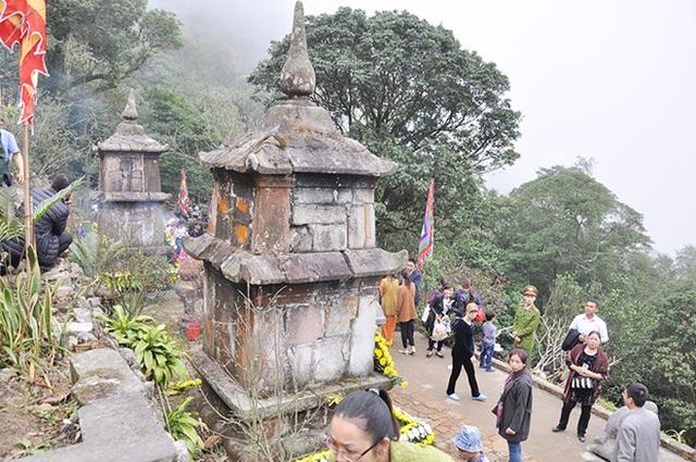 Am Ngoạ Vân - nơi Phật hoàng Trần Nhân Tông tu hành và hoá Phật. Ảnh: báo QN.