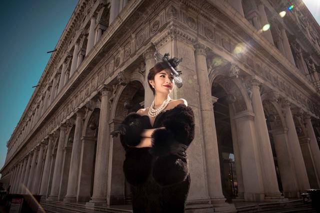 Không khí mát mẻ, trong lòng của mùa này tại Rome càng khiến Ngọc Loan thích thú đi bộ, khám phán hết từng ngóc ngách của thành phố.