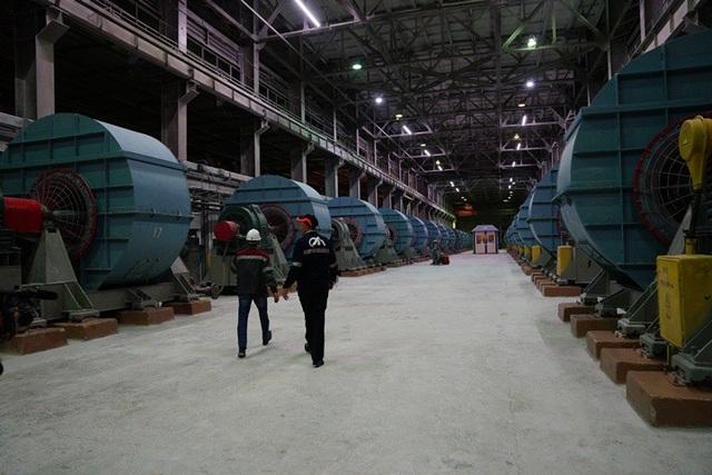 Bên trong nhà máy amiăng Orenburg