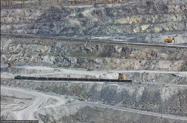 Mỏ Ural – Thành Phố Asbest – Nga