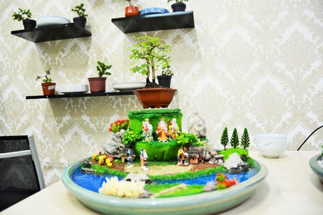Những chậu bonsai hoạt động dựa trên nguyên lý lực hút đẩy của từ trường nam châm. Cấu tạo của 1 bộ bonsai bay gồm phần đế được gắn thiết bị tạo ra từ trường điện, phía trên là nam châm từ tính giúp cho cây luôn giữ được trạng thái thăng bằng