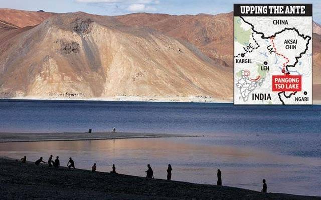 Cả Trung Quốc và Ấn Độ đều đang kiểm soát khu vực hồ Pangong ở Ladakh. (Ảnh: India Today)