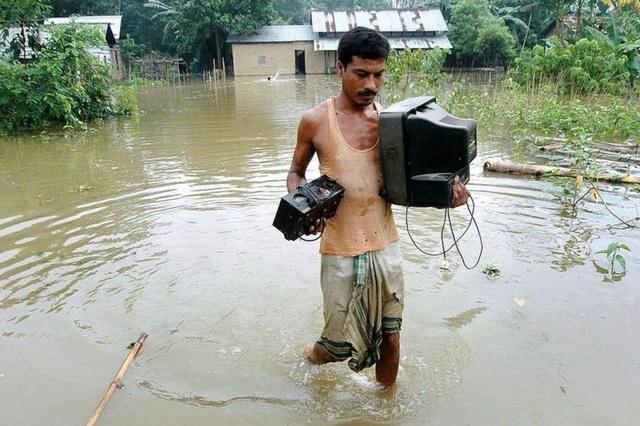 Tình trạng ngập lụt thường xuyên xảy ra trên sông Brahmaputra trong giai đoạn gió mùa hàng năm (Ảnh: BBC)