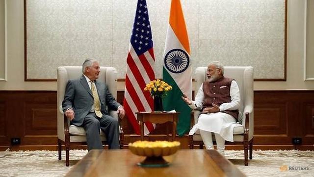 Ngoại trưởng Mỹ Rex Tillerson hội đàm với Thủ tướng Ấn Độ Narendra Modi trong chuyến thăm hồi tháng 10/2017. (Ảnh: Reuters)