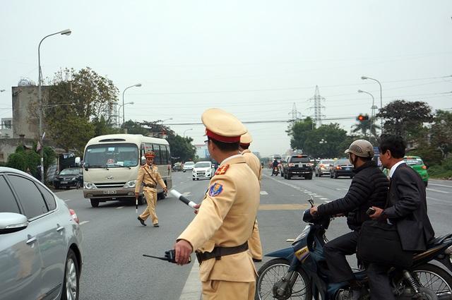 Hướng dẫn các phương tiện qua đường