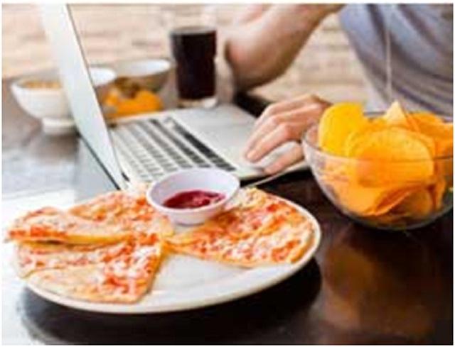 Mẹo để ngăn ngừa ăn uống không cẩn thận và tránh thừa calo - 1
