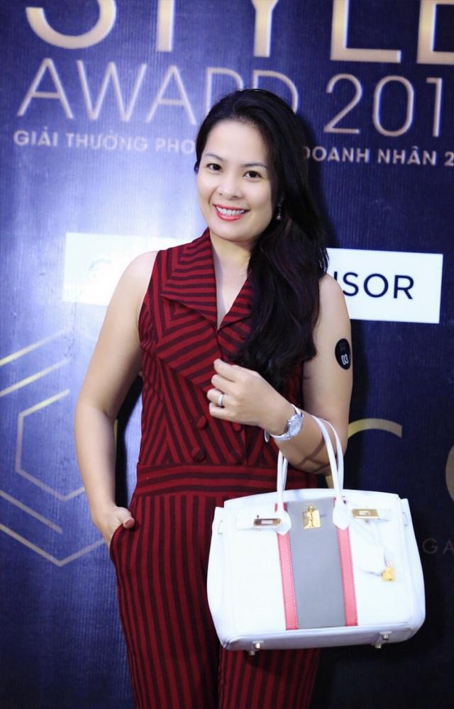 Bà Hoàng Thanh Tú – TGĐ HOANGGIALAND – Nhà sáng lập thương hiệu HOANGTU MORA là một nữ doanh nhân trí tuệ, bản lĩnh.