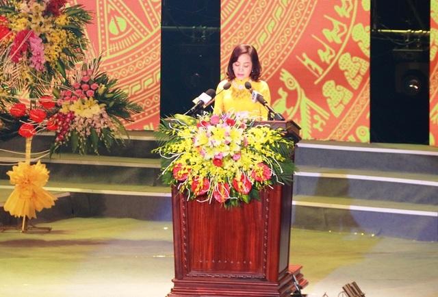 Bà Nguyễn Thị Thanh, Bí thư Tỉnh ủy Ninh Bình khái quát lại quá trình hình thành và phát triển tỉnh Ninh Bình sau 25 năm tái lập tỉnh.