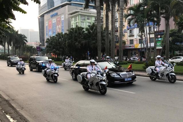 Đội xe Yamaha FJR1300 P đặc chủng đang làm nhiệm vụ dẫn đoàn