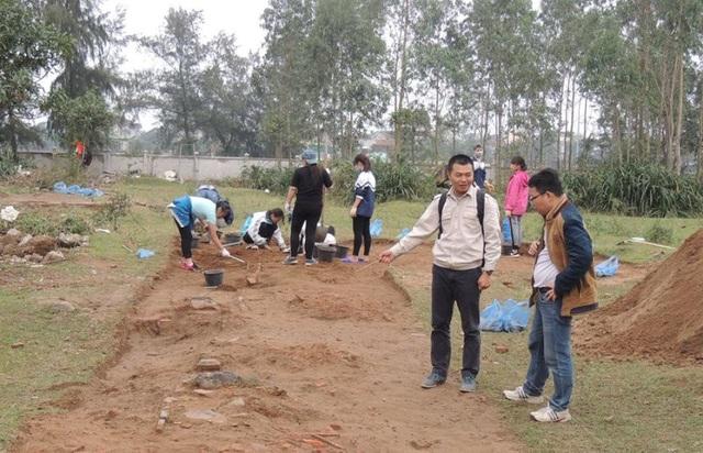 Khu vực tiến hành thám sát, nghiên cứu khảo cổ học khu vực đền Huyện thuộc xã Xuân Giang, huyện Nghị Xuân