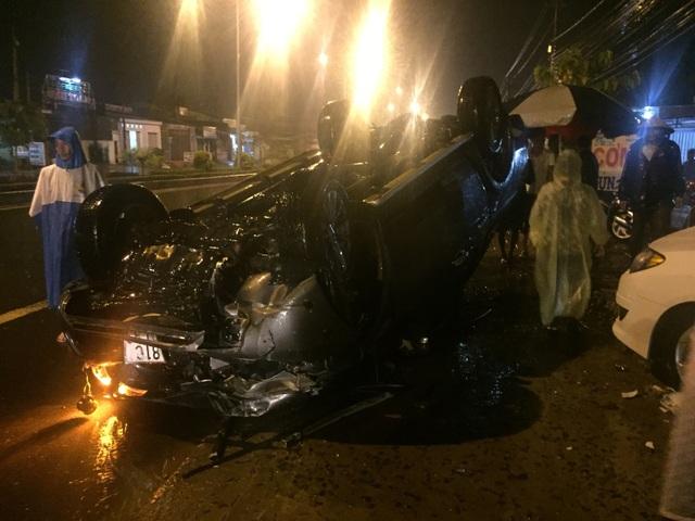 Chiếc xe ô tô tải gây tai nạn liên hoàn khiến 1 nữ sinh tử vong