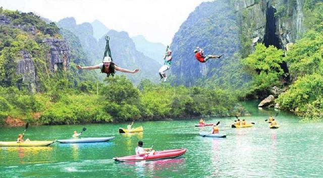 Trong 2 ngày qua, khu vực Sông Chày – Hang Tối đã đón tiếp gần 2.000 lượt khách