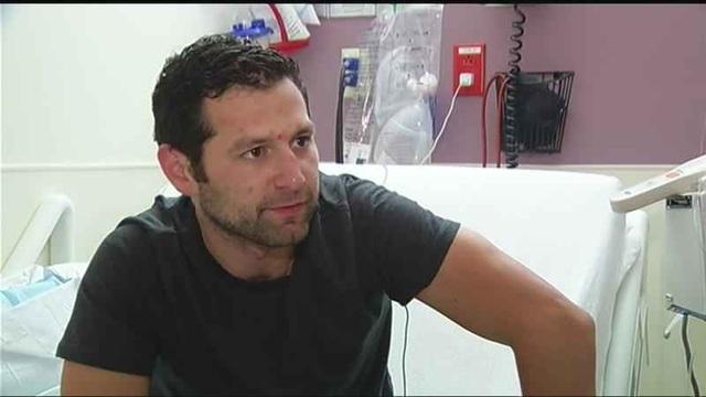 Nick sống sót sau khi bị sét đánh ngay trong phòng làm việc.