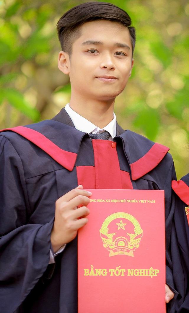 Đinh Duy Toàn - Sinh viên Trường Đại học Kinh tế - ĐHQGHN.
