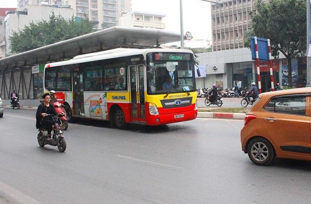 Buýt thường lấn làn buýt nhanh - 4