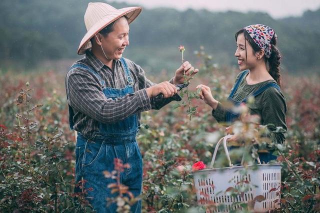 Cặp đôi cùng đến từ Đồng Nai, quen nhau qua sự mai mối của người bạn chung rồi từ đó nên duyên lúc nào không hay biết.