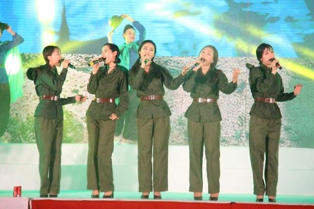 """Thiêng liêng đêm nghệ thuật """"Cõi thiêng Đồng Lộc"""" - 8"""