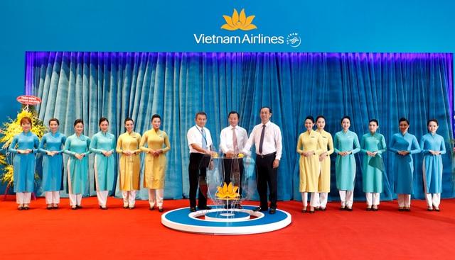 Khai trương hệ thống dịch vụ của Vietnam Airlines tại nhà ga hành khách T2 Đà Nẵng