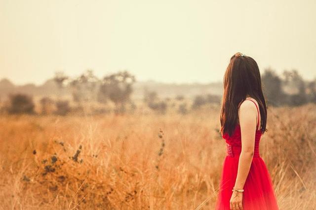 Lời hứa suy cho cùng cũng chỉ là câu nói đầu môi, theo thời gian gió thoảng người cũng quên. (Ảnh minh họa: Phạm Bình An)