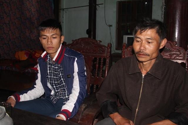 Nỗi lo âu hiện rõ trên khuôn mặt của Khánh và cha