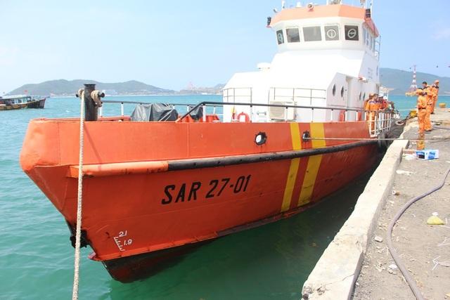 Tàu SAR27-01 đang thường trực ở Nha Trang vượt biển hơn 180 hải lý đi cứu nạn ngư dân Quảng Nam