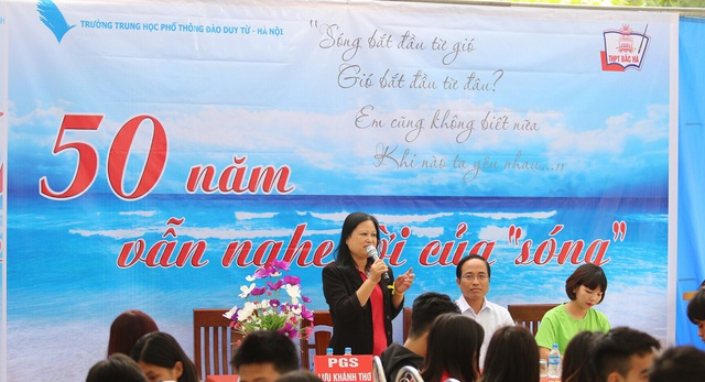PGS.TS Lưu Khánh Thơ giảng thơ Xuân Quỳnh