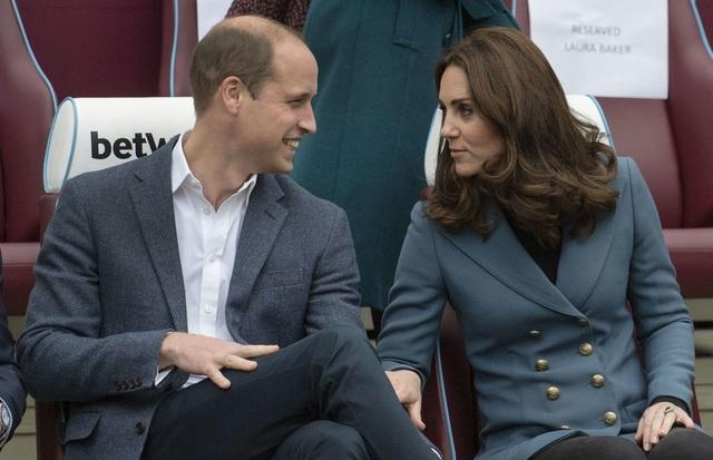 Hoàng tử Anh William đã kết hôn với Kate Middleton - một nhà thiết kế không xuất thân từ gia đình hoàng tộc.