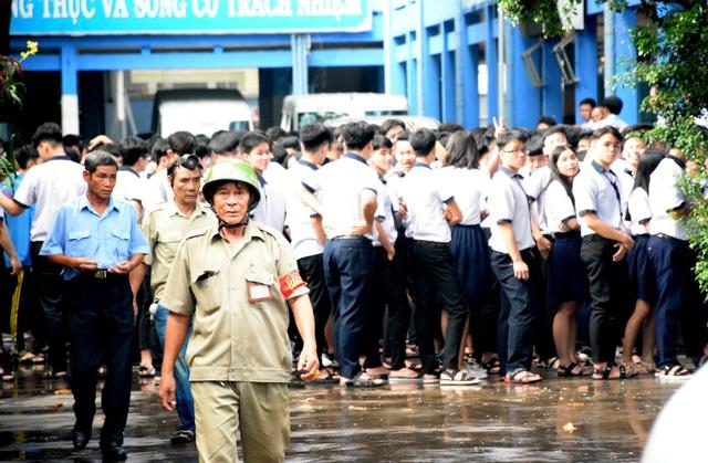 Sau vụ hỏa hoạn, học sinh được tập trung trở lại