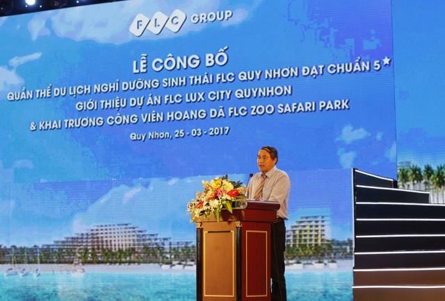 Ông Phan Cao Thắng – Phó chủ tịch thường trực UBND Tỉnh Bình Định chúc mừng Tập đoàn FLC