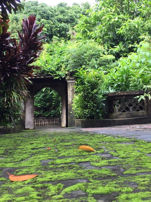 Cổng vào nhà cụ Nguyễn Khuyến