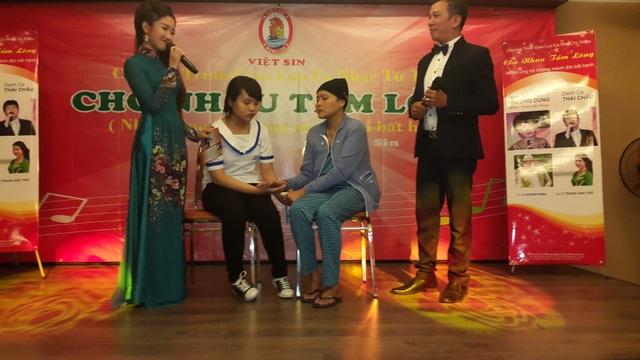 """Việt Sin tổ chức chương trình ca nhạc từ thiện """"Cho nhau tấm lòng"""" để kêu gọi bạn bè thân hữu ủng hộ hoạt động từ thiện xã hội"""