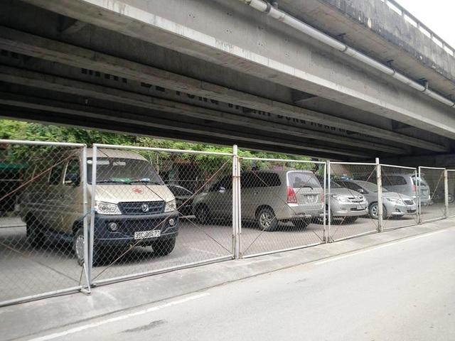 2.180m2 gầm cầu vượt Thanh Bình UBND phường Thanh Bình chỉ cho thuê giá 4 triệu đồng/tháng (từ năm 2016 đến nay), trước năm 2015 chỉ có 3 triệu đồng/tháng.