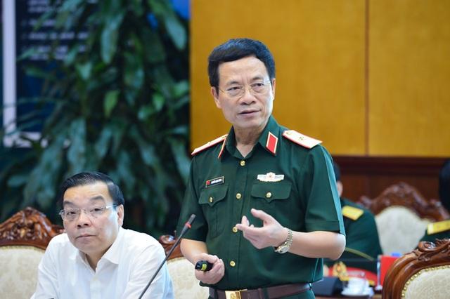 Thiếu tướng Nguyễn Mạnh Hùng, Tổng giám đốc Tập đoàn Viettel, cho biết phải phát triển được các công cụ, vũ khí về tác chiến không gian mạng, coi đây như một ngành CNQP.