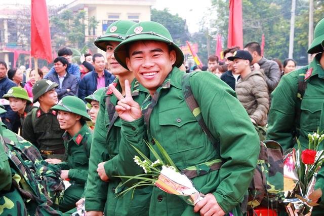 Theo thống kê của Bộ chỉ huy quân sự tỉnh Ninh Bình, năm nay toàn tỉnh có 392 thanh niên viết đơn tình nguyện nhập ngũ; số thanh niên là công giáo chiếm 17,8%; dân tộc Mường chiếm 3,8%; bồi dưỡng nhận thức về Đảng cho 418 thanh niên, đã tiến hành kết nạp Đảng trước khi nhập ngũ cho 12 tân binh.