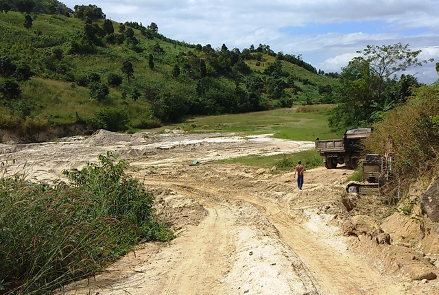 Các điểm khai thác cát trái phép giữa vùng giáp danh giữa Kon Tum – Gia Lai