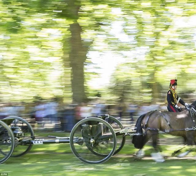 Cung điện Buckingham hồi đầu tháng 5 thông báo Hoàng thân Philip sẽ thôi các nghĩa vụ Hoàng gia Anh từ mùa thu năm nay. Như vậy, đây sẽ là sự kiện mừng sinh nhật cuối cùng của Hoàng thân Philip trước khi về hưu. (Ảnh: PA)