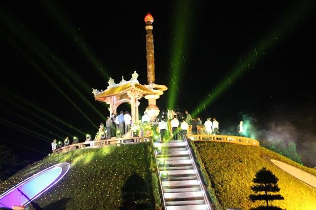Hình ảnh tại đầu cầu Quảng Trị - Thành cổ Quảng Trị. (Ảnh: Đăng Đức)