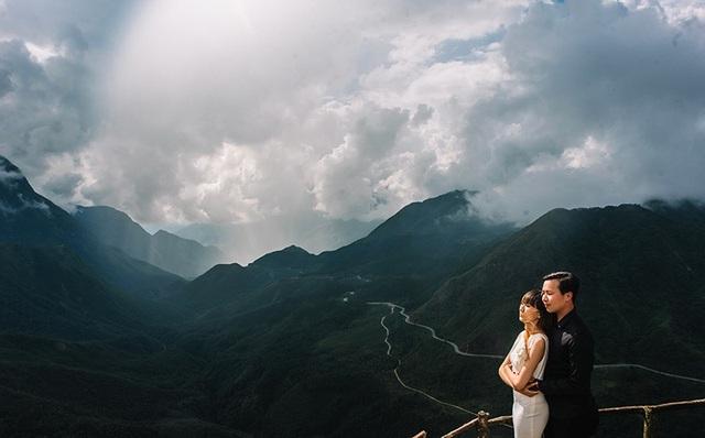 """Trên trang cá nhân của mình, Vũ Luân viết: """"Món quà cuối trước khi cưới anh tặng em là một bộ ảnh cưới do chính tay anh chụp cho em, chụp cho hai đứa mình. Mong rằng vợ tương lai của anh sẽ thích nó""""."""