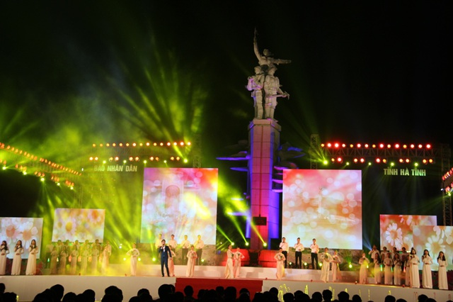 """Thiêng liêng đêm nghệ thuật """"Cõi thiêng Đồng Lộc"""" - 9"""
