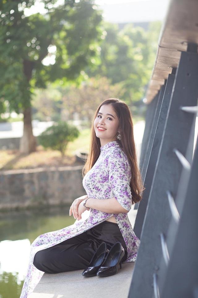 Trước khi bước vào những áp lực, căng thẳng, cô nàng thường dành thời gian về thăm gia đình và cũng để thư giãn hơn.