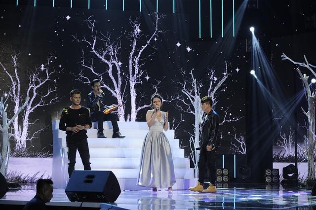 Đêm thi mở đầu bằng bản mashup Anh cứ đi đi - Phía sau một cô gái với sự thể hiện của hai cặp thí sinh Trần Thuận - Linh Trang và Thanh Hùng - Thanh Sơn.